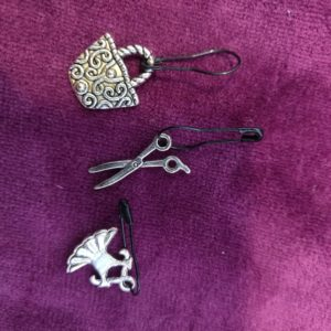 Zipper Pull 5 clips, charm for all ages and styles! Selling in sets!